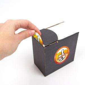 stickers op rol in een doosje